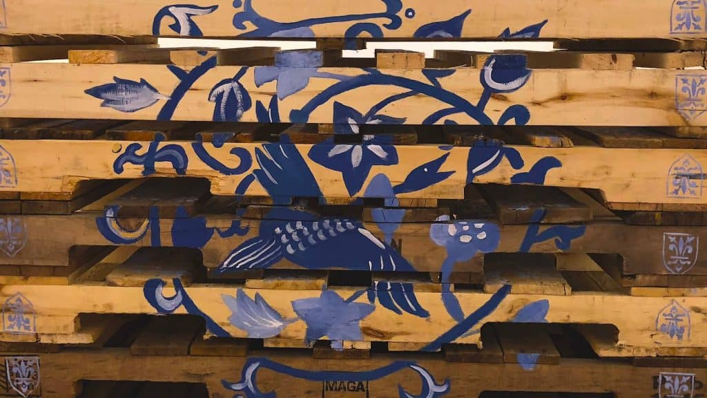 Soheila K. Esfahani, 2018. Acrylic on wooden pallet.